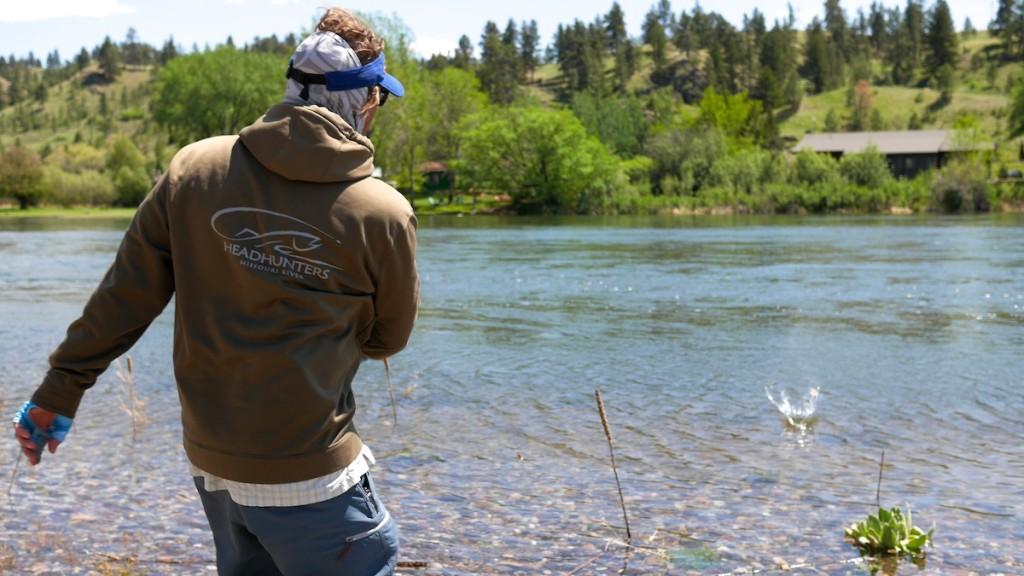 Missouri River rock skipping