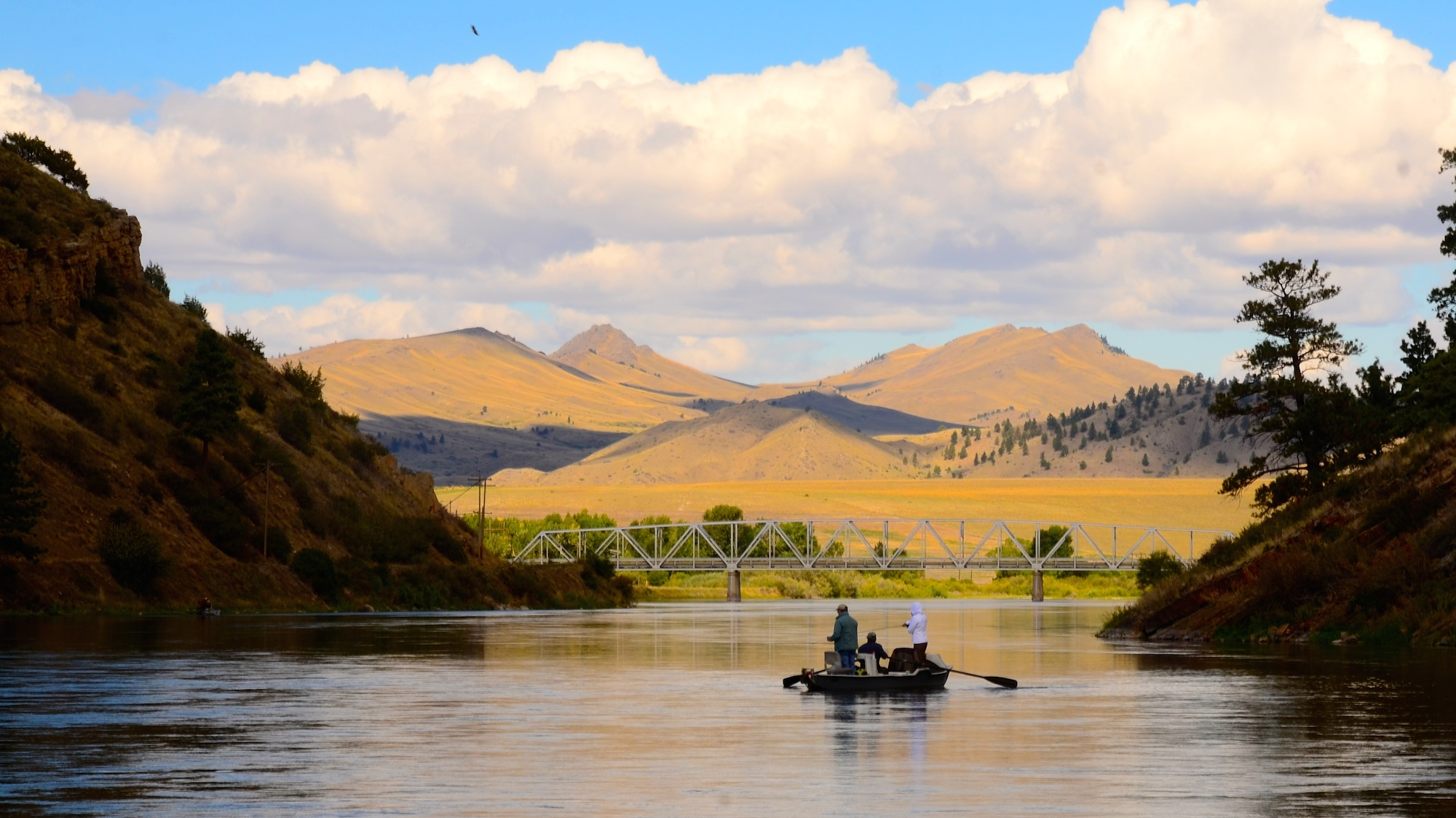 Missouri River Holiday Booking Reminder