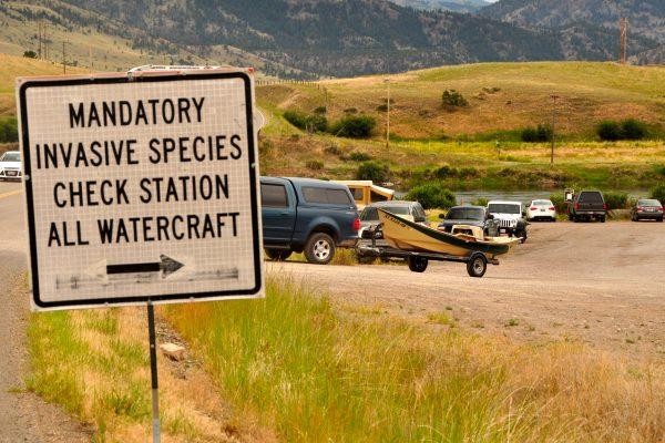 Aquatic Nuisance Species Reminder