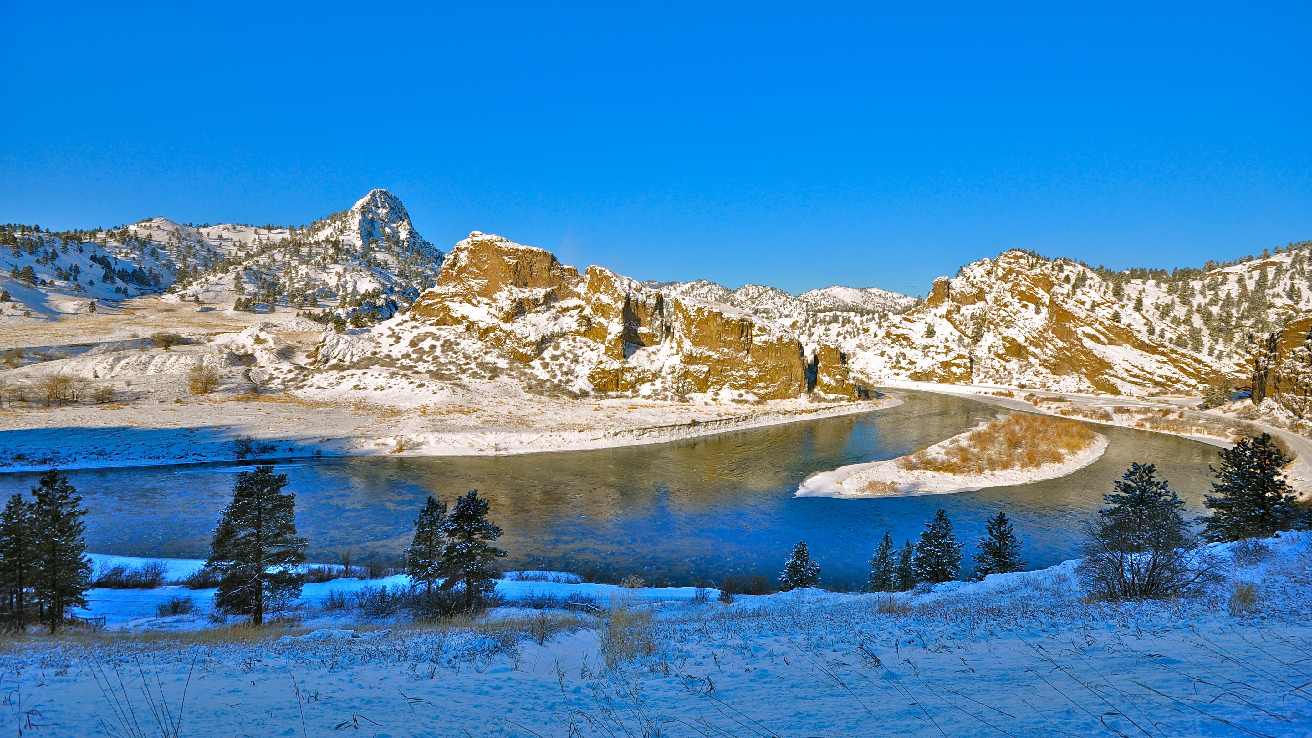 Friday Foto Mountain Palace Winter